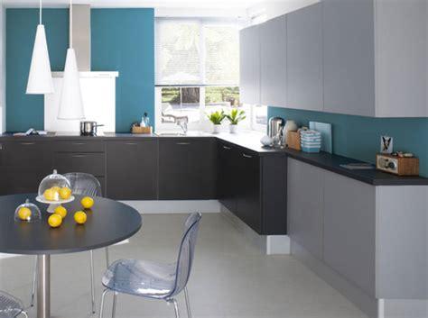 deco cuisine gris et noir deco cuisine grise decoration cuisine grise et