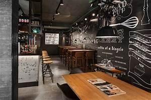 Bar Style Industriel : du mobilier style industriel dans un restaurant ~ Teatrodelosmanantiales.com Idées de Décoration