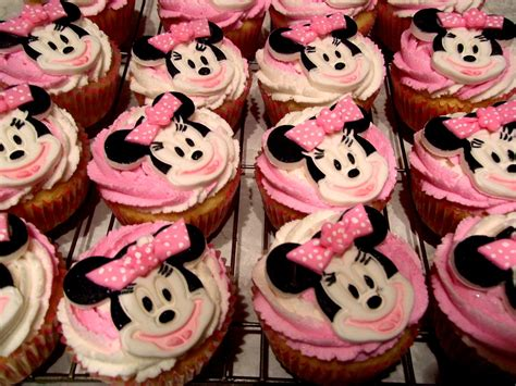 1000+ Ideas About Minnie Mouse Cake On Pinterest