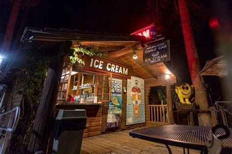 mourelatos cable car ice cream parlor lake tahoe