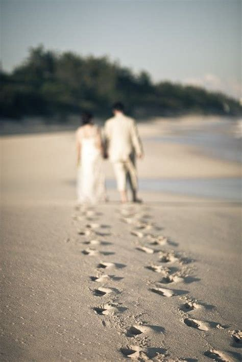 dreamy  creative beach wedding ideas