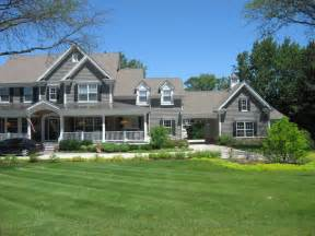 panoramio photo of beautiful house with big porch - Houses With Big Porches