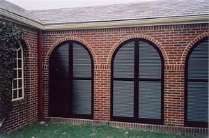 Arched louvered exterior shutters for Arched shutters exterior