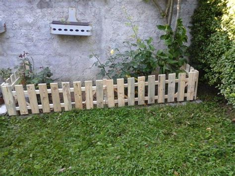 How To Build Backyard Fence by Pallet Garden Fence