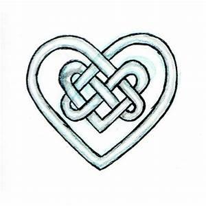 25+ Best Ideas about Celtic Heart Tattoos on Pinterest ...