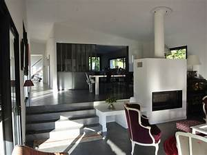 maison contemporaine en l avec piscine naturelle With interieur maison design contemporain