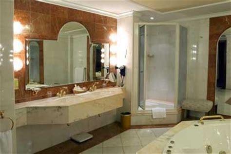 Bathroom Light Fixtures For Double Vanity