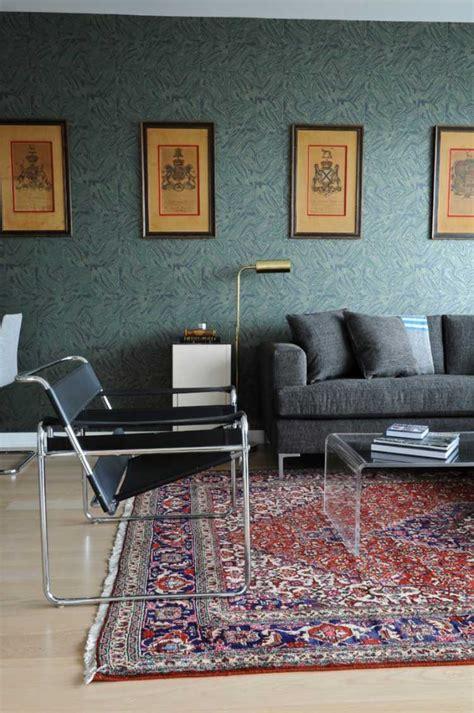 tapis persan dans le salon contemporain en  exemples