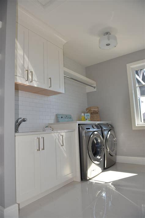 Watermark Kitchen, Wet Bars, Bathrooms & Closet   Moda