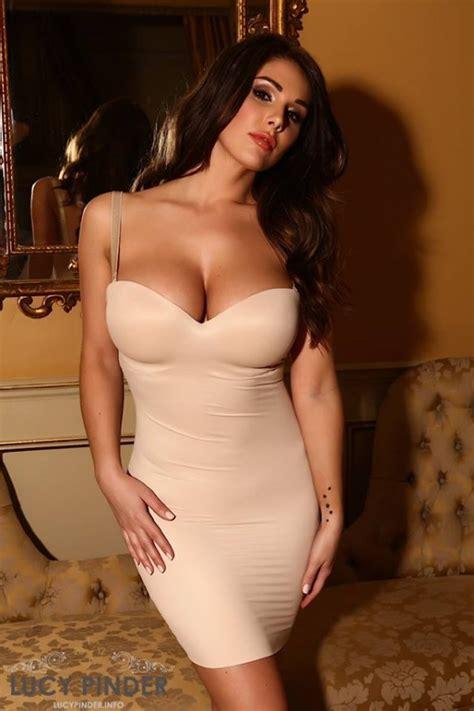 en fotos lucy pinder la mujer  los senos naturales mas