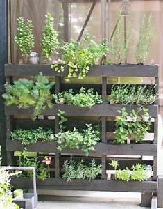 diy im garten und auf dem balkon 5 tipps fur kreatives With französischer balkon mit arbeitskleidung garten und landschaftsbau