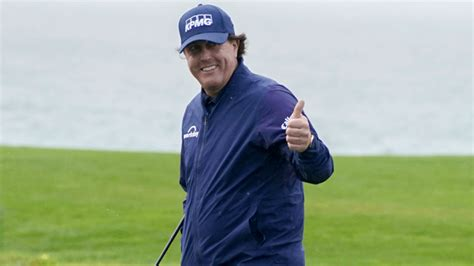 Phil Mickelson finishes out his fifth win at Pebble Beach ...