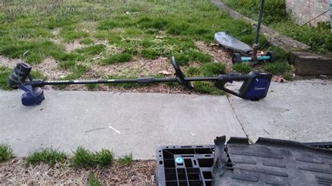 Each and every kobalt weed eater model is battery powered which means that you can't find a kobalt cordless trimmer that runs on gas. 40 volt lithium kobalt weed eater for Sale in Thomasville, NC - OfferUp