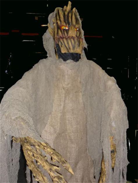 l en licht staande len griezelfeest horrorfeest halloween moordfeest 040 2543842