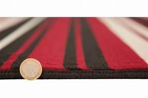 Tapis Noir Et Rouge : tapis 100 polypropylene maidstone 60x220 rouge et noir tapis design pas cher ~ Dallasstarsshop.com Idées de Décoration