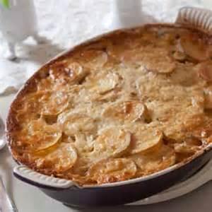 Paula Deen Cheesy Scalloped Potatoes Recipe