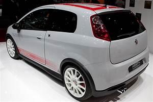 Fiat Grande Punto Abarth : fiat abarth grande punto supersport 2009 geneva international motor show ~ Medecine-chirurgie-esthetiques.com Avis de Voitures