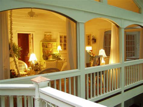 designing  building  screened  porch