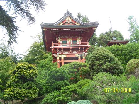 san francisco ca pagoda at japanese tea garden photo