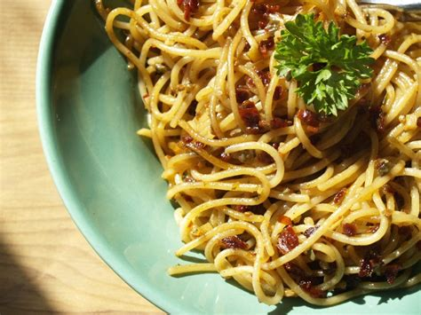 In a medium saucepot, cook pasta for 2 to 3 minutes less than package instructions. Chili Spaghetti Casserole Recipe | Recipes.net