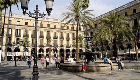 Descubrir el barrio de Ciutat Vella - ShBarcelona