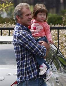 Mel Gibson Spends Father's Day With Lucia - The Hollywood ...