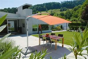 sonnenschirme balkon innenraume und mobel ideen With französischer balkon mit sonnenschirme für die terrasse
