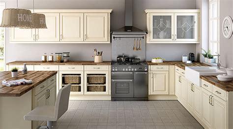 but cuisines osez la couleur pour votre cuisine