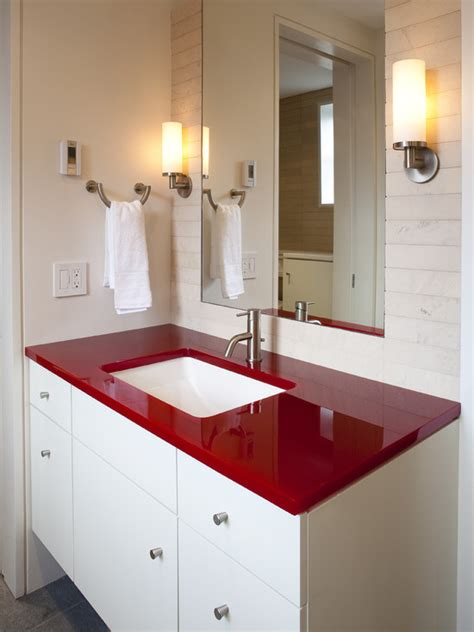 incorporate red   bathroom