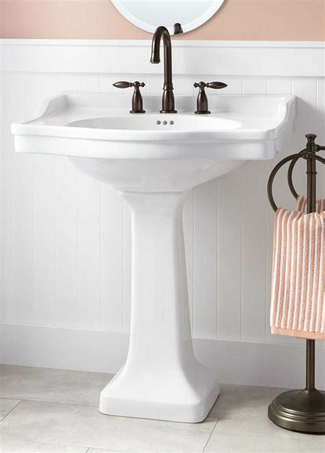 1000+ Ideas About Pedestal Sink Bathroom On Pinterest