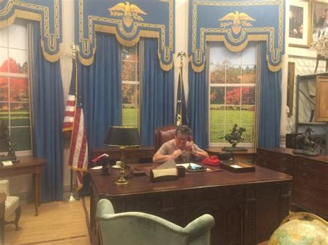 oval office tour the west wing oval office picture of warner bros studio tour burbank tripadvisor