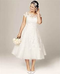 7 gorgeous short plus size summer wedding dresses for Plus size short wedding dresses with sleeves