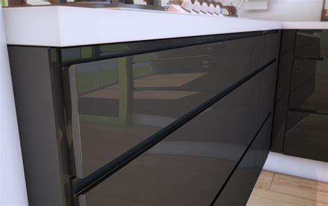 cuisine sans poignee une cuisine design sans poignée cuisines rema
