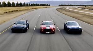 2015 Challenger Hellcat Vs Camaro Zl1