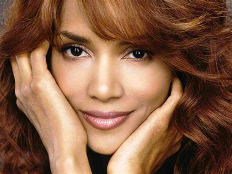 Beautiful Female Celebrities Images Halle Berry Hd