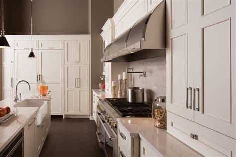 dura supreme kitchen cabinets new dura supreme cabinet finishes gray stays brown gains 6987