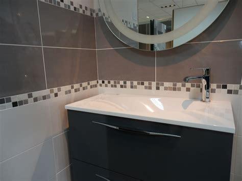 frais carrelage salle de bain avec listel salle de bain 50 dans carrelage de salle de bains de