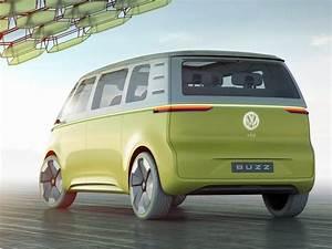 Combi Volkswagen Electrique Prix : premi res images officielles le volkswagen combi samba rena t en lectrique vue de profil du ~ Medecine-chirurgie-esthetiques.com Avis de Voitures