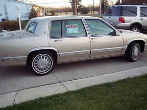 Find Used 1993 Cadillac Deville Base Sedan 4