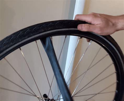 comment monter une chambre a air de velo tuto comment enlever une roue de vélo et remonter un pneu