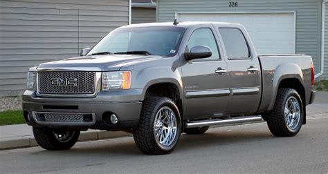 fuel wheels  triton chrome  road rims fl