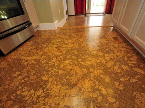 Cork laminate flooring for the lovers of marble imitation