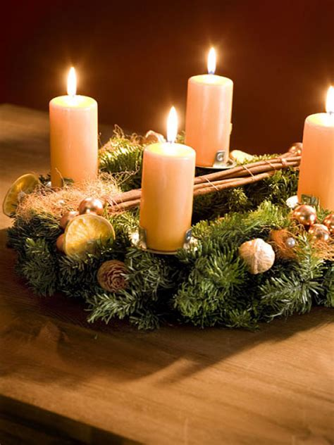 diy christmas candle centerpieces  ideas   table