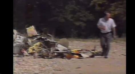 foto de Stevie Ray Vaughan s Death in 1990 Announced on SABC News