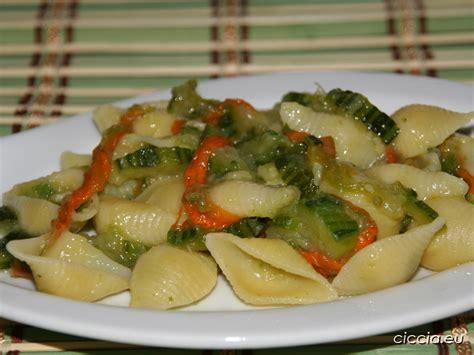 pasta con fiori di zucchine ricette pasta con zucchine e fiori di zucca ricette di cucina