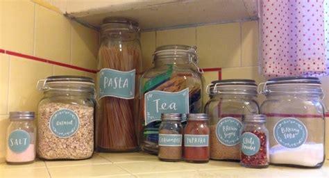 kitchen hacks  clever ways  organize  clean  kitchen