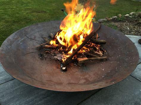 Feuerschale Mobiles Lagerfeuer Fuer Die Terrasse by Lagerfeuer F 252 R Garten Terrasse Feuerschale Oder
