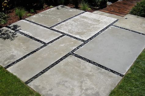 Cheap Landscape Pavers by Ginormous Stones Large Paver Landscaping Ideas In