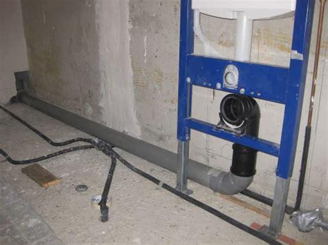 hangend toilet afwerken afvoer naar hangtoilet