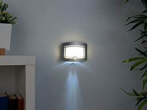 Bewegungsmelder Licht Innen : lunartec wandlampen mit batterie 2 stufige batterie led wandleuchte bewegungs lichtsensor ~ Buech-reservation.com Haus und Dekorationen
